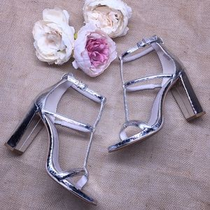 Kenneth Cole Silver Strappy Heels 6.5M
